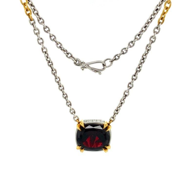 22 Karat Gold Prongs Platinum Bezel Garnet and Diamonds Necklace